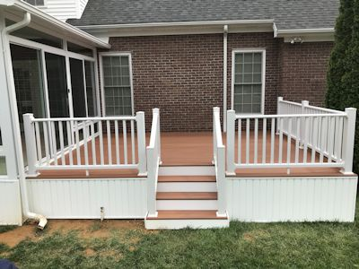 composite deck with white vinyl railing
